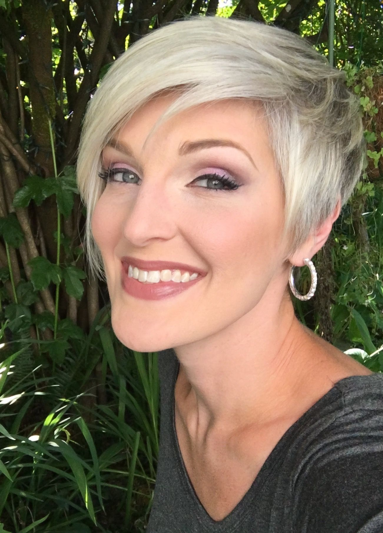 Platinum Blonde Pixie, Short Hair, Gray Hair, Short Cut | visage ...