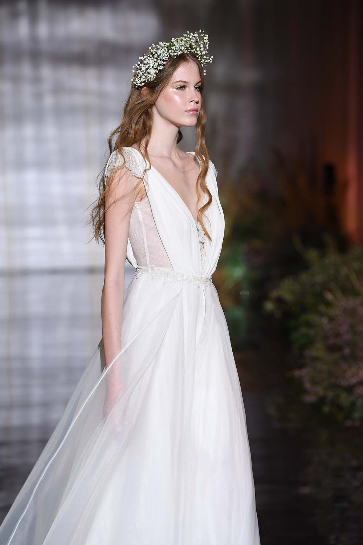 Vestiti Da Sposa La Collezione 2019 Di Atelier Emé è Boho Chic E