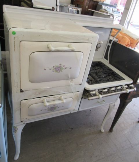 Our inventory of Unrestored Antique Stoves always changes. We keep a wide selection of Unrestored Antique Stoves in stock. We do purchase Unrestored Antique Stoves . For information and photos on more of our Unrestored Antique Stoves please contact our office.