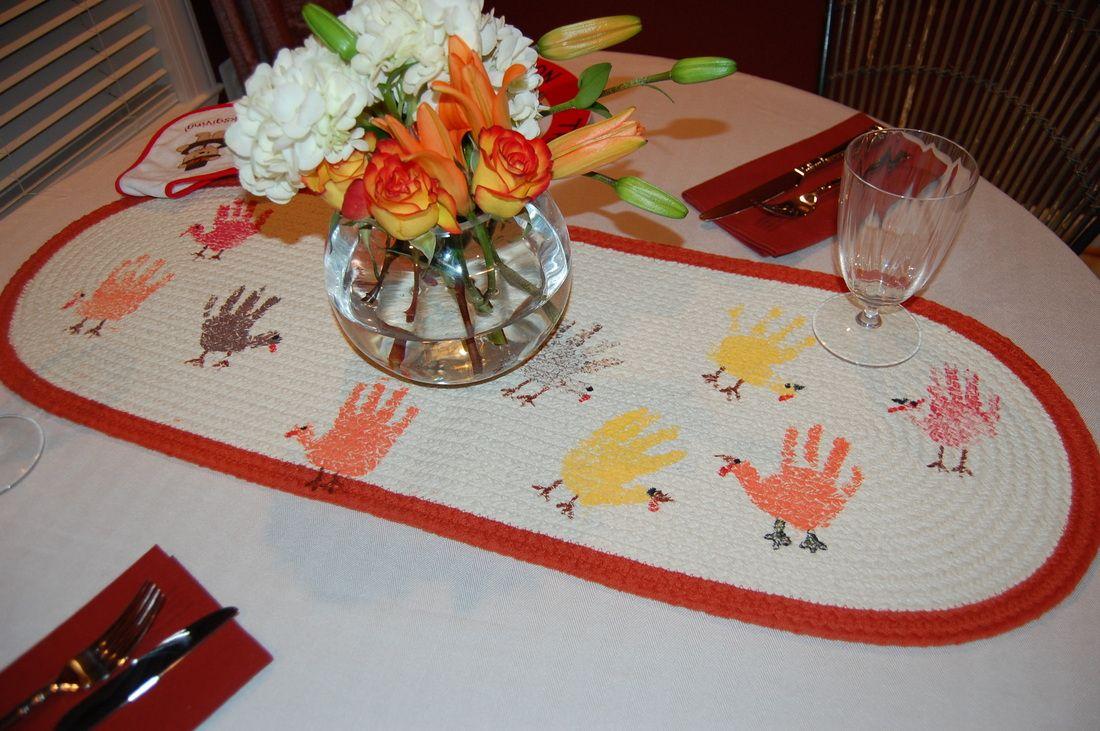 Thanksgiving table runner materials i