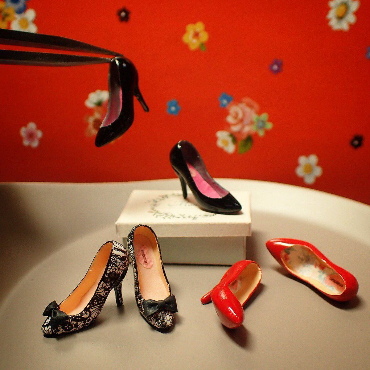 1:12 Dollhouse Miniature DIY Cabin Fittings Stiletto Shoes ToysODCA BHCA