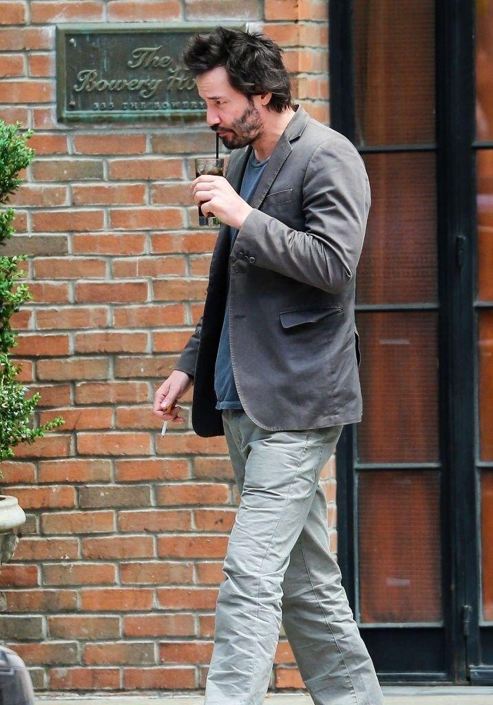 Keanu Reeves Photos Photos Keanu Reeves Walking Through The East