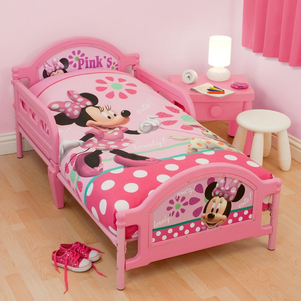 Awesome Toddler Bed With Round Chair
