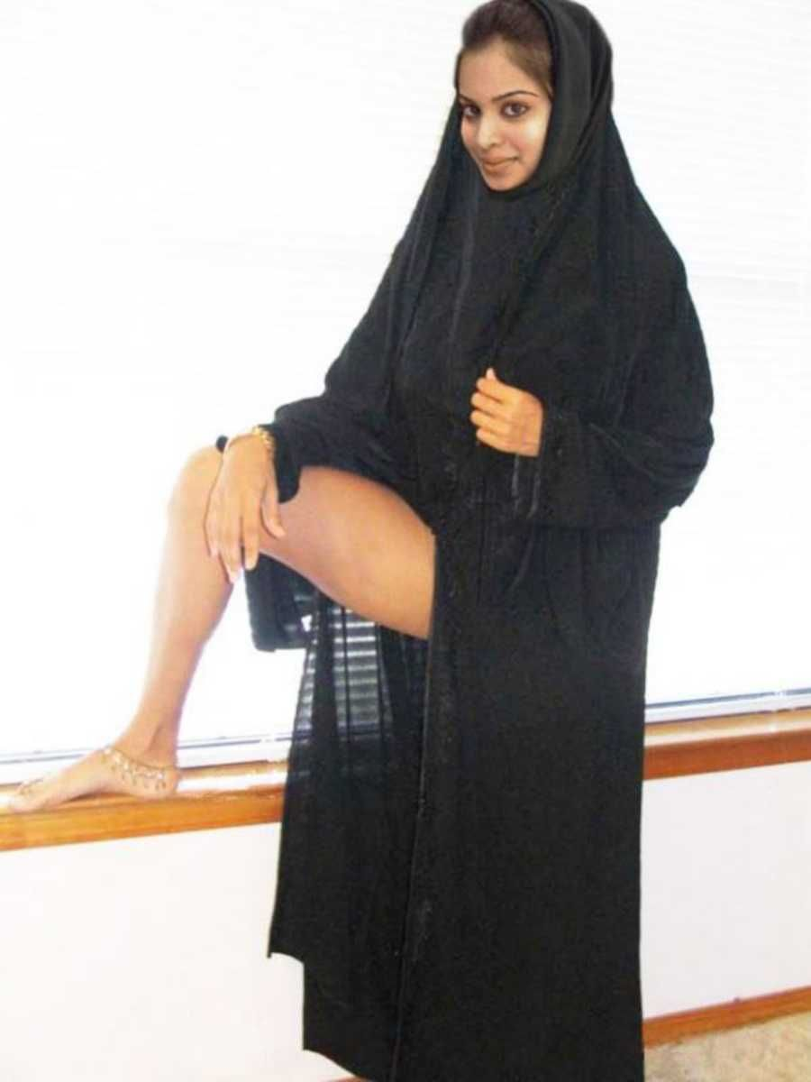 sexy arabian hijab girls naked