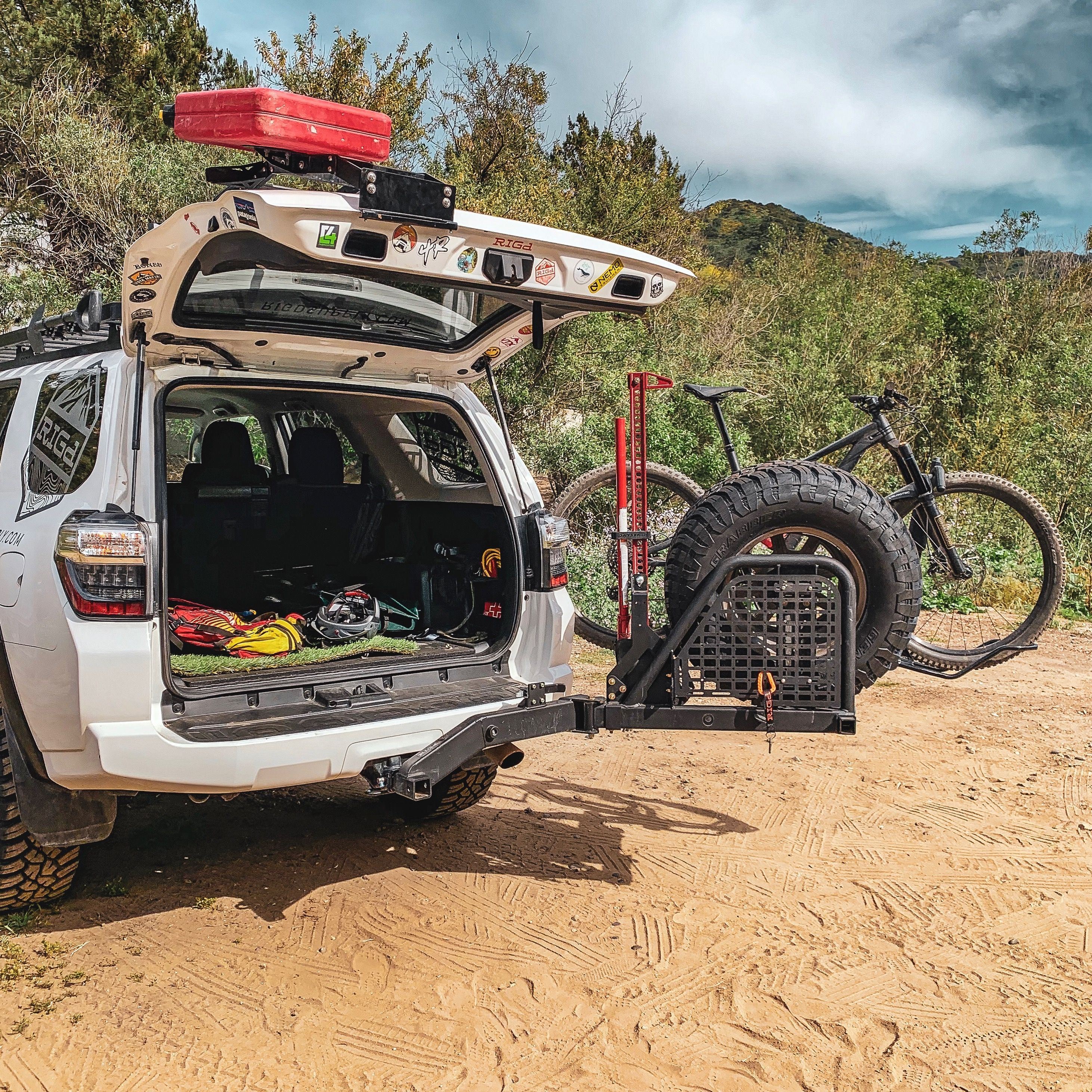 swing out tire and bike rack 4runner