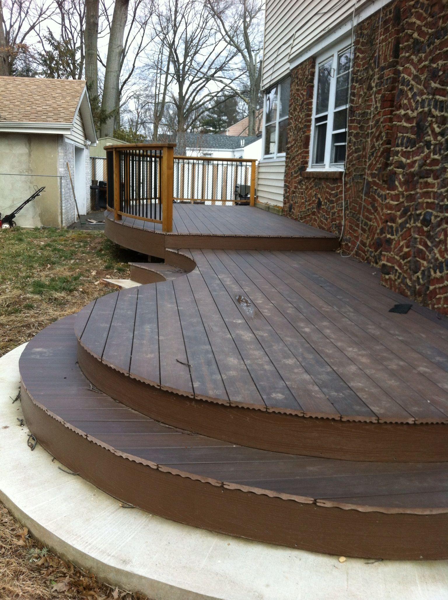 Best Curve Deck Curved Deck Decks Backyard Deck Design 400 x 300