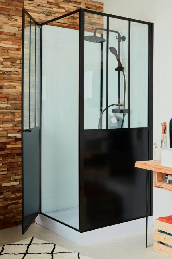 une salle de bains la d co r cup avec des meubles diy. Black Bedroom Furniture Sets. Home Design Ideas