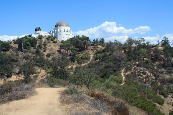 Hike The Firebreak Trail To Griffith Observatory Modern Hiker Griffith Park Hikes In Los Angeles Griffith Observatory