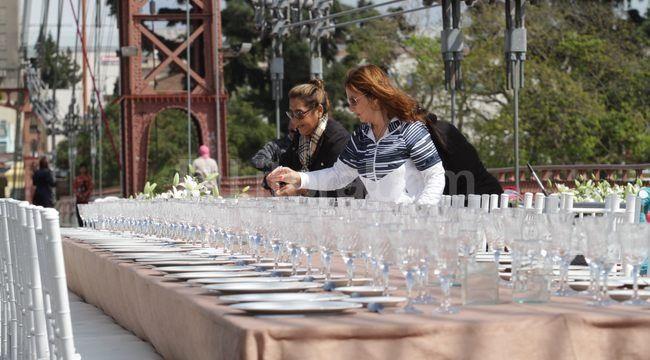 Cuatro cocineros, delicias con surubí y la laguna Setúbal como marco, una propuesta solidaria en el día del santo patrono. Hubo diferentes actividades durante la jornada en la ciudad.