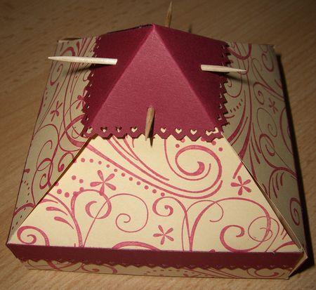 Gabarit pyramide box pinterest pyramide gabarit et cartonnage - Gabarit boite en papier ...
