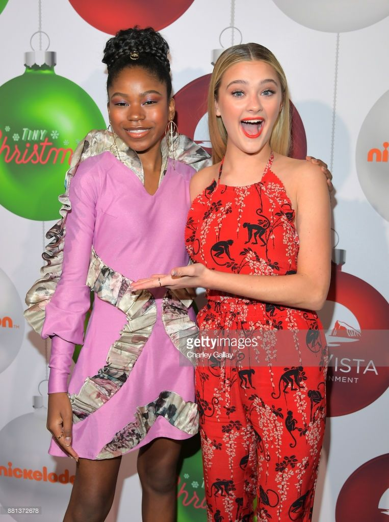 Red Carpet Premiere Of The Nickelodeon Movie Tiny Christmas Photos And Premium High Res Pictures Nickelodeon Nickelodeon Girls Premiere