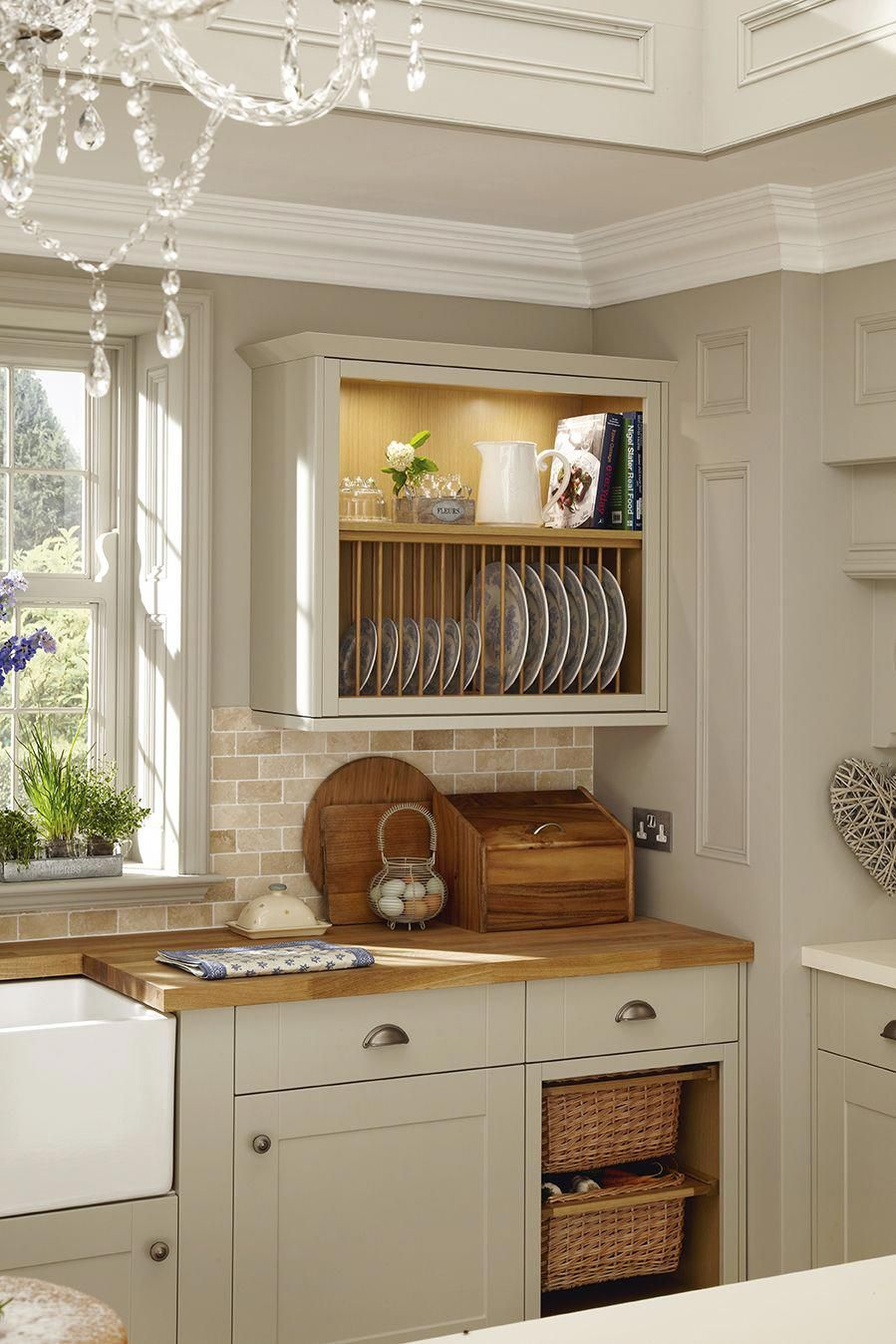A Plate Rack And The Basket Drawers Add A Traditional Feature To This Grey Shaker Style Kitchen This Is Home Kitchens Shaker Style Kitchens Kitchen Cabinets