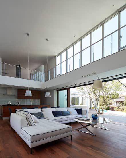 リビングのインテリア レイアウト実例 収納 写真 高級邸宅 住宅