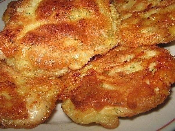 Фото к рецепту: Куриные отбивные в кляре с сыром