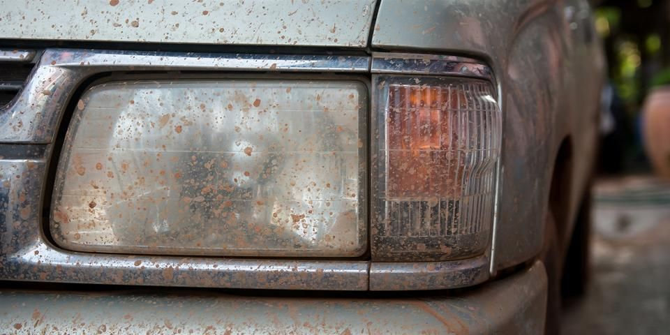 how to clean foggy headlights with toothpaste