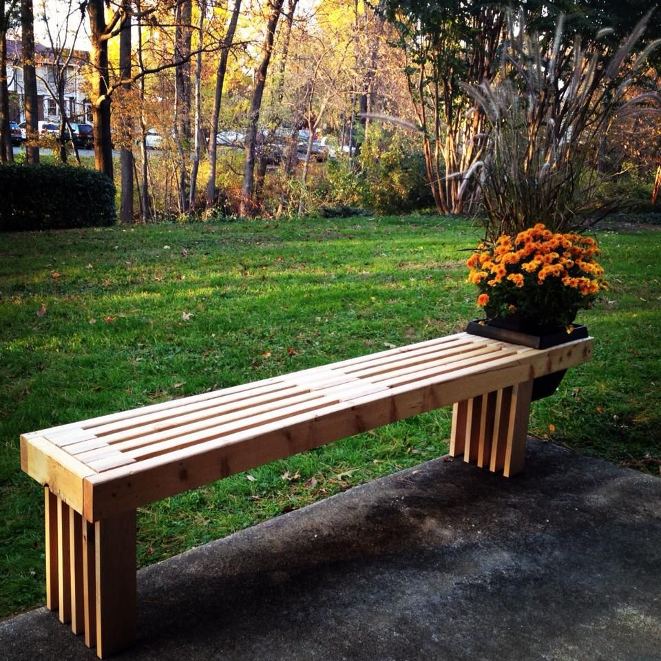 DIY planter bench from recycled wood. Diy bench outdoor