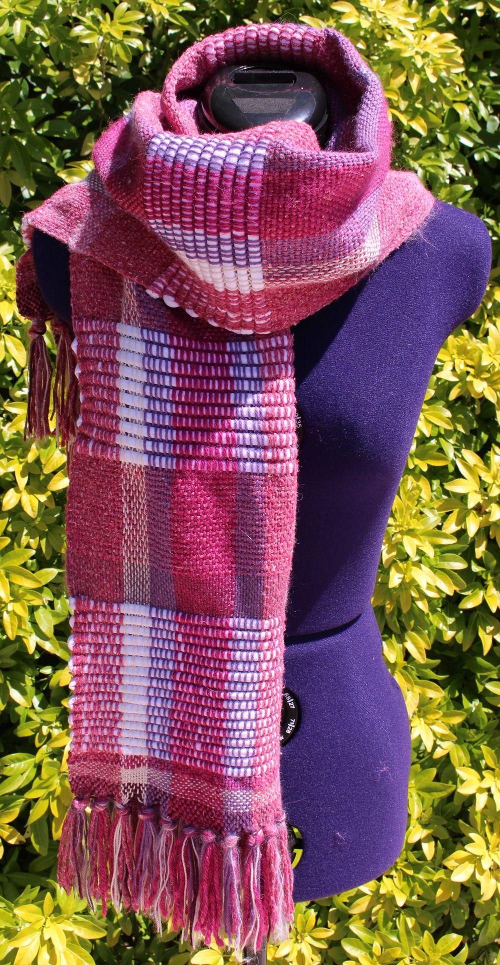 928765401665 Étole, écharpe tissée main, châle en laine et coton dans les tons rose,  mauve et blanc https   chaliere.tictail.com   chaliere  tictail   madeinfrance