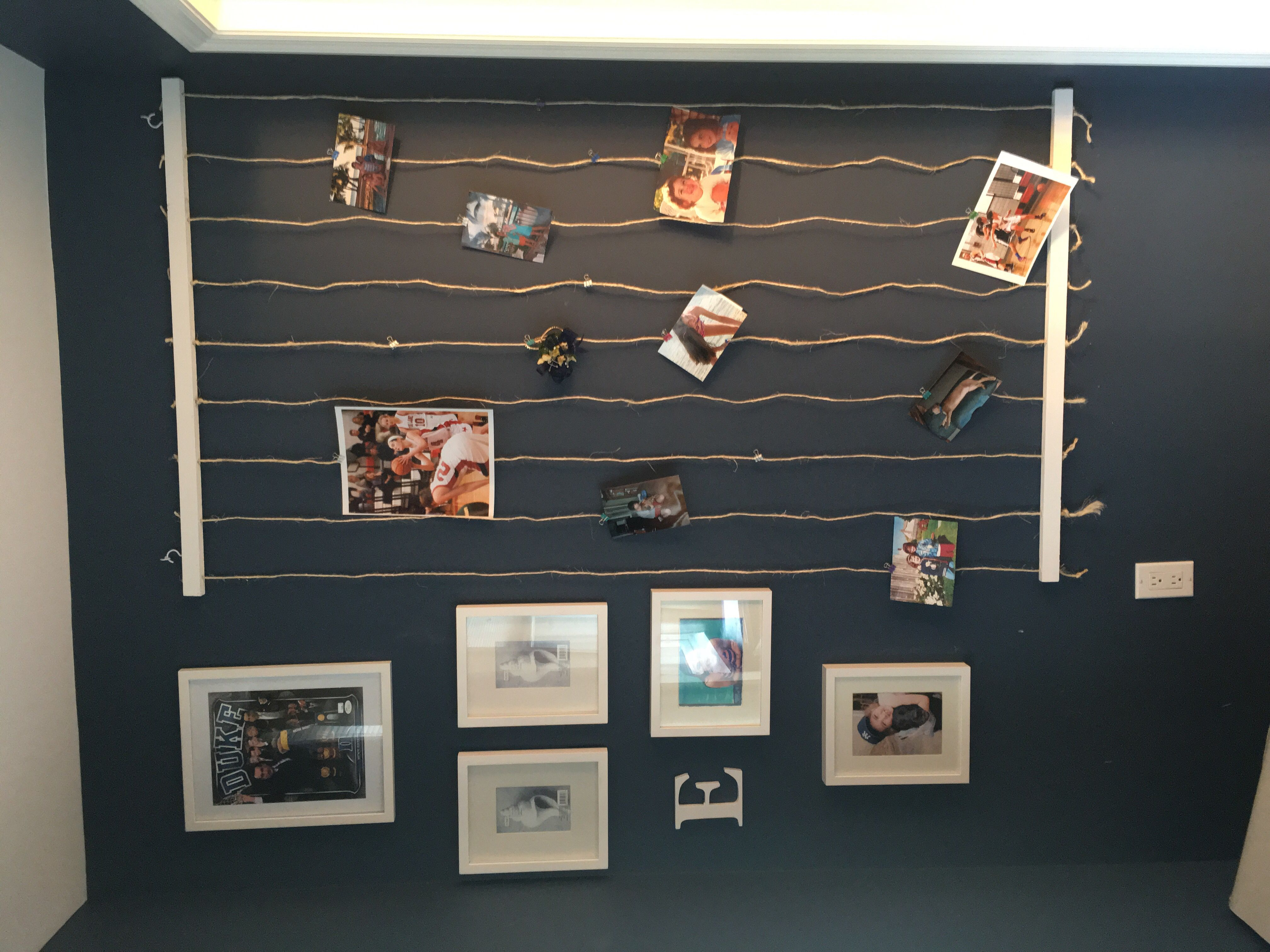 Diy Wood And Twine Photo Display Hang On Wall To Clip Photos To The Rope Easily With Paper Clips And Mini Binde Photo Wall Decor Hanging Wall Decor Diy Crafts