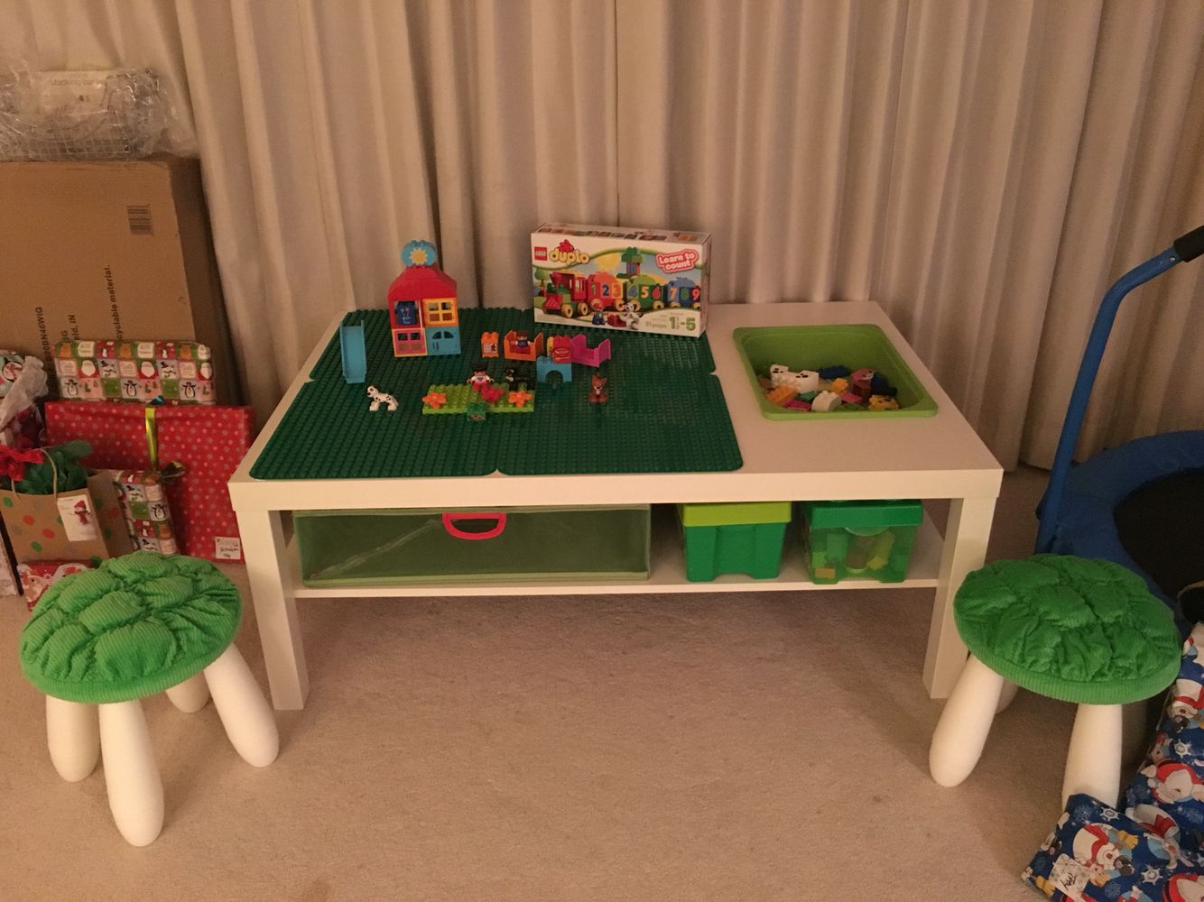 ikea hack lego duplo table for my son rangements pinterest deco enfant salles de jeux. Black Bedroom Furniture Sets. Home Design Ideas