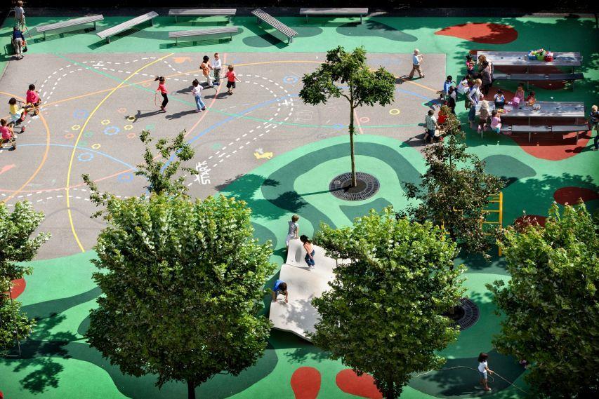 Bekkering Adams Architecten a fait la conception d'un parc pour enfants, un projet pilote issu d'une recherche sur le potentiel des aires de jeux en domain