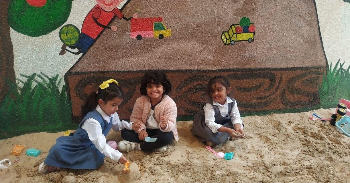 Our Kg Kids Are Enjoying Their Time In Sandpit Area By Building Their Own Dream Castle And Much More معارف للتعليم مدارس الفيصلية السعودية الخبر الت
