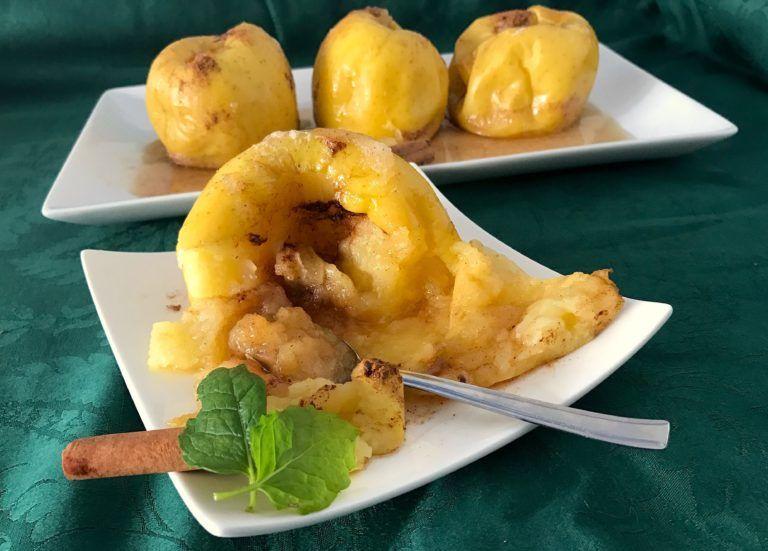 Las manzanas asadas en el microondas son la receta ideal para disfrutar de este postre tan tradicional en cuestión de 10 minutos ¡Y que se haga solo!