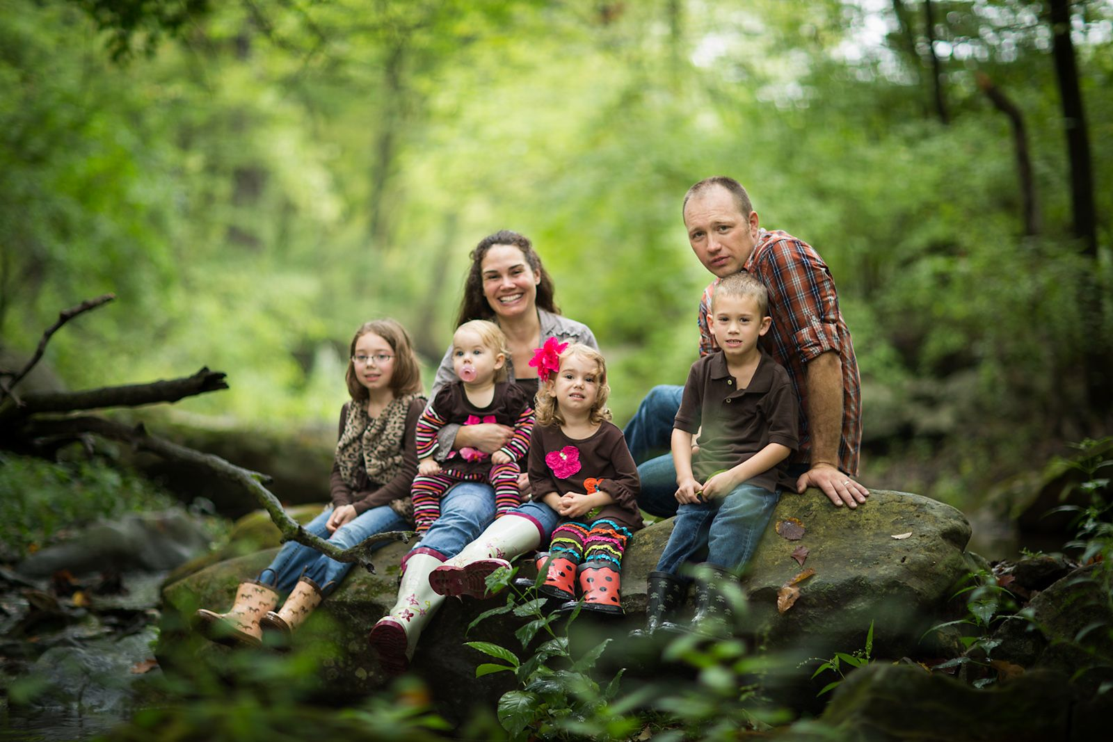 Awesome family photo shoot.  Love it.  Love the color.  Love the scenery.  Love the family.  Stampin' UP! demo Shannon Seneczko. Check out her blog.
