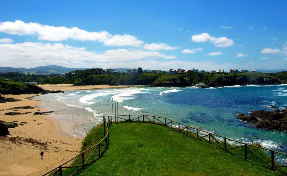 Las playas suelen estar masificadas, hay edificios a pie de playa y no tienen apenas naturaleza…:19 razones por las que nunca deberías visitar Asturias - Matador Español