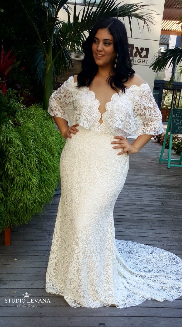 Bohemian Mermaid Lace Wedding Gown From Plus Size Bridal Collection Of Studio Levana Plus Size Wedding Gowns Wedding Dresses Lace Plus Wedding Dresses [ 1368 x 765 Pixel ]