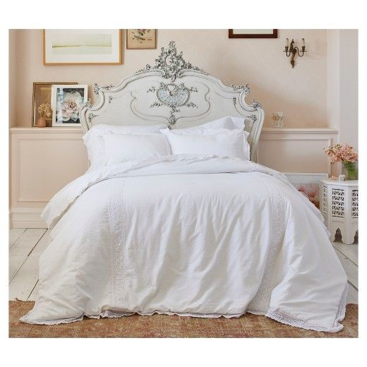 A Sweet Touch Of Femininity Is Easy To Achieve With The Crochet Trim Linen Blend Comforter Target Shabby Chic Bedding Shabby Chic Bedding Sets Shabby Chic Room