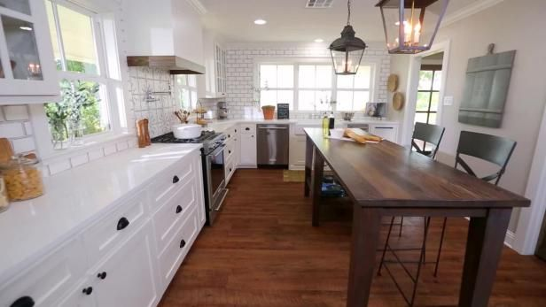 Watch Fixer Upper Design On Her Mind The Barker Project From