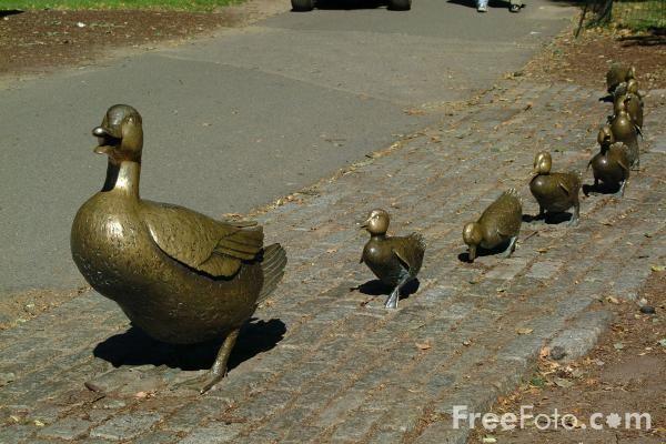 Make Way For Ducklings Statues Boston Public Garden