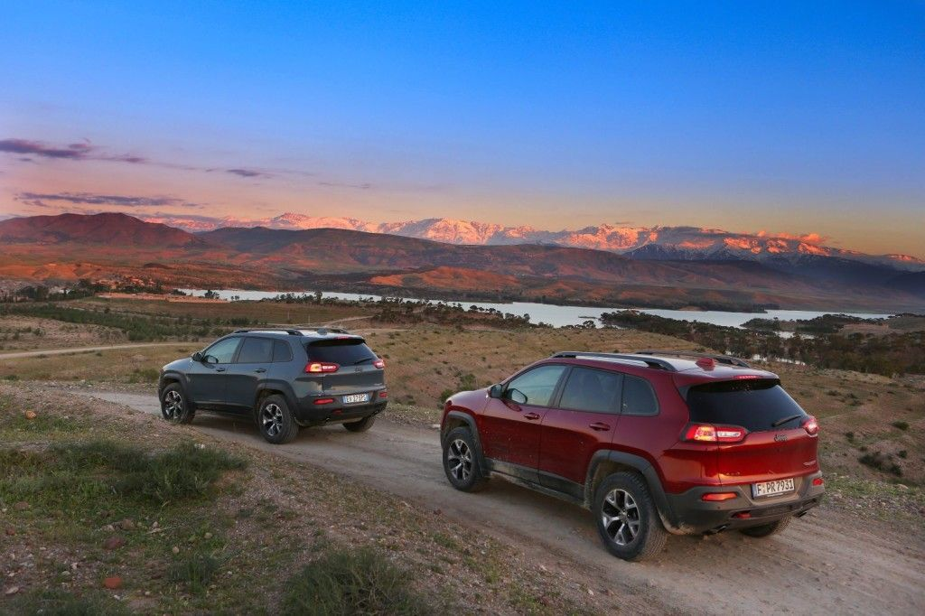 Go Desert, Do Anything!  Jeep Cherokee www.voyagerclub.pl