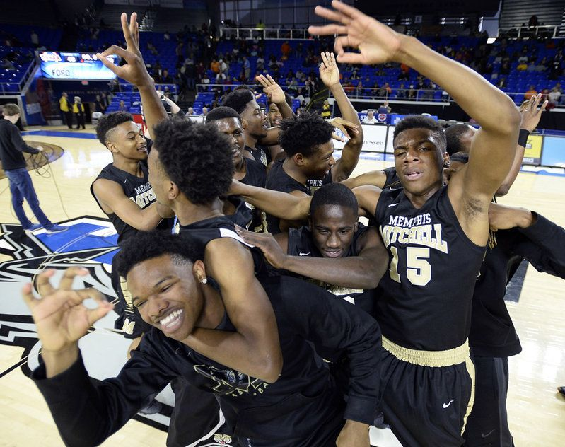 Mitchell Players Celebrate Their Win Over Booker T Washington In - Mitchell high school memphis tn