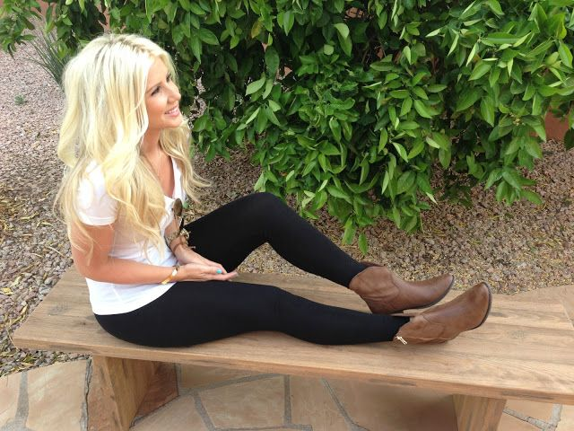 Brown Boots Black Skinny Jeans Or Leggings White Or Gray