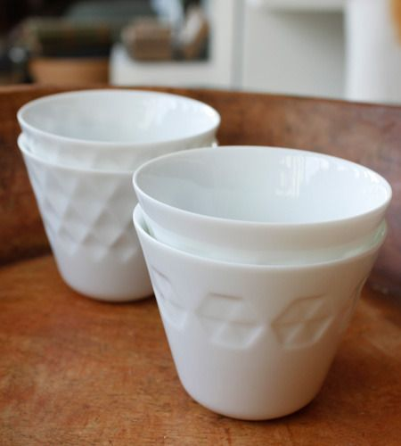 bliss blog - i heart monday...in bits and pieces...>> white ceramic cups from alder & co.