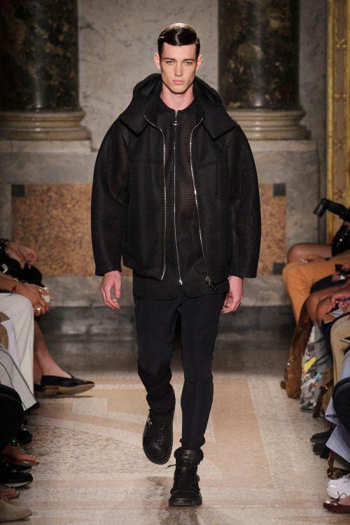 model-hommes:  Robbie Beeser for Les Hommes S/S 2016 Milan.