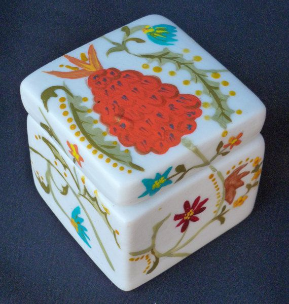 BISQUE JEWELRY BOX with A Traditional Friendship by KrugsStudio