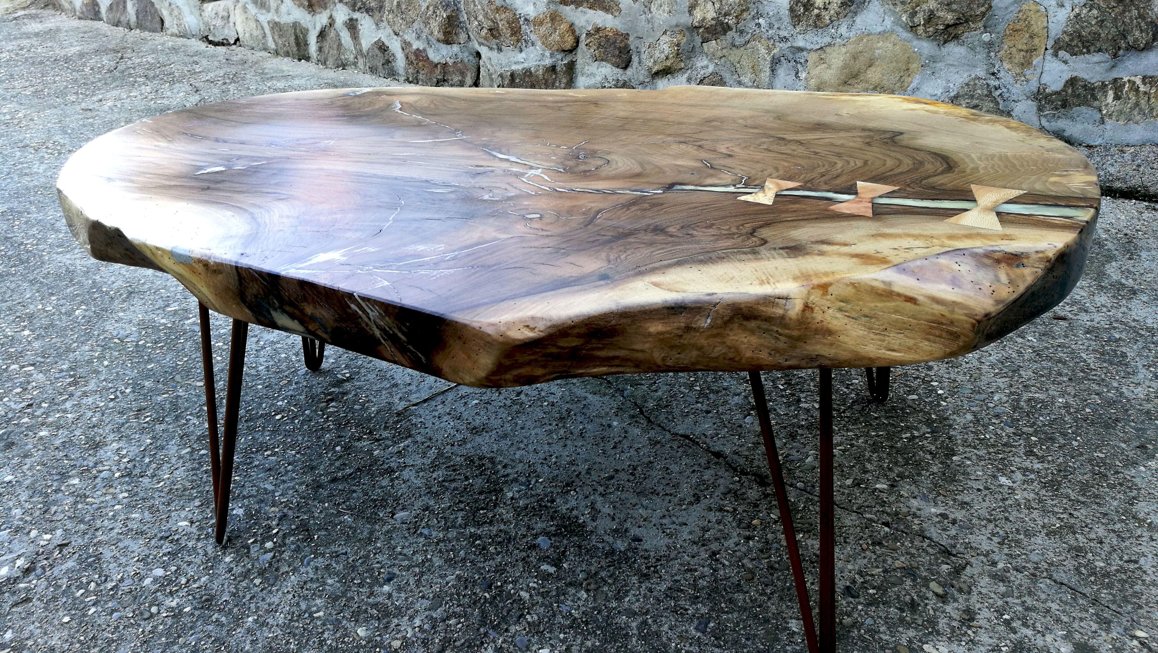 Table Basse Fourche De Noyer Brut De Sciage Pietements Filaires En Acier Couleur Cuivre Table Basse Architecte Interieur Table