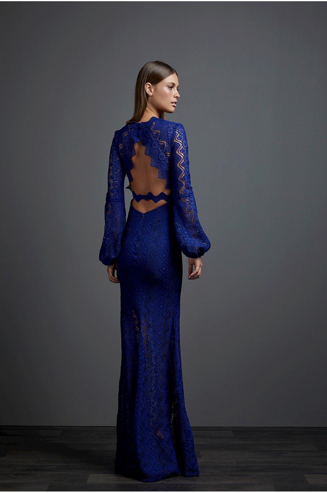 eccce6bec7 Iorane - Vestido longo em renda azul marinho. Detalhe para decote nas  costas. Manga