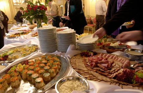 ideas+for+catering+a+wedding | Wedding Reception Buffet Table ...