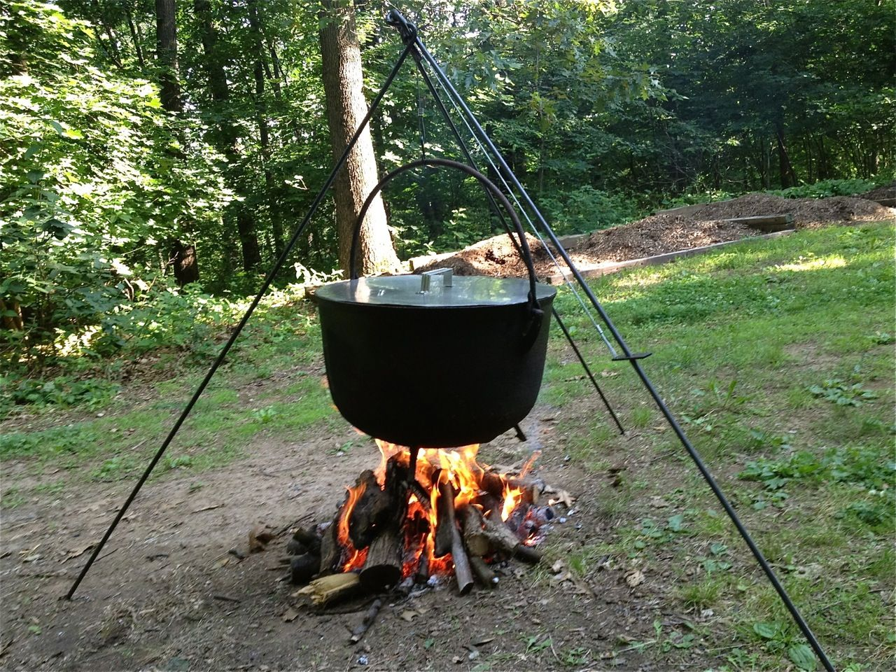 A Large Metal Pot With A Lid And Handle Used For Cooking Over An Open Fire Description From Bigdave44 Com I Searched Cauldron The Black Cauldron Yard Decor