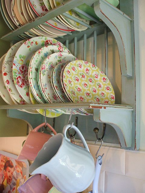 plate rack with cath Kidston and vintage plates