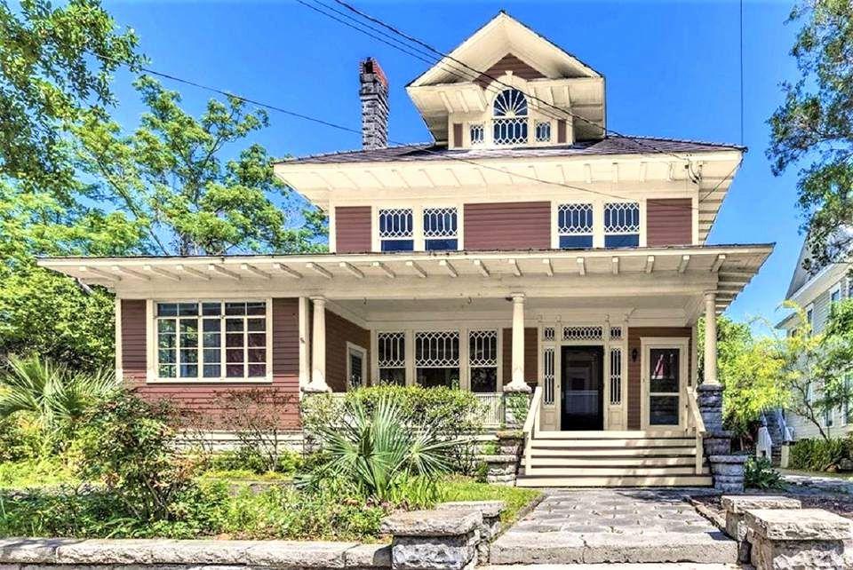 Foursquare House Plans Modernized Awesome 10 Inspiring Exterior House Paint Color Ide In 2020 Exterior Paint Colors For House House Paint Exterior Exterior Paint Color