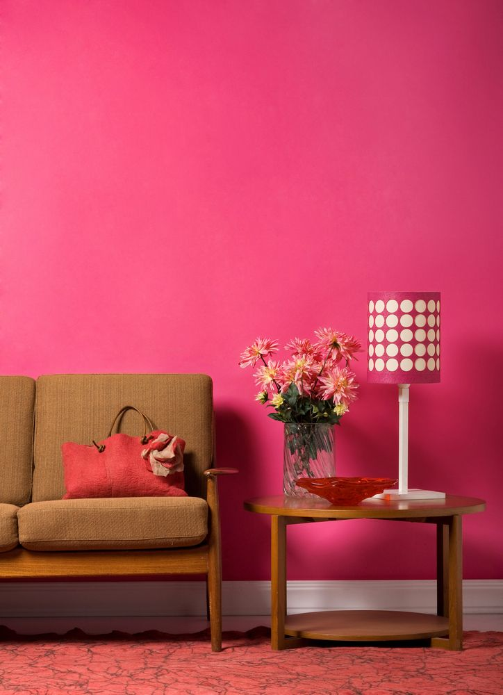 Consigue un espacio r stico con un color rosa mexicano y for Casa de decoracion interna