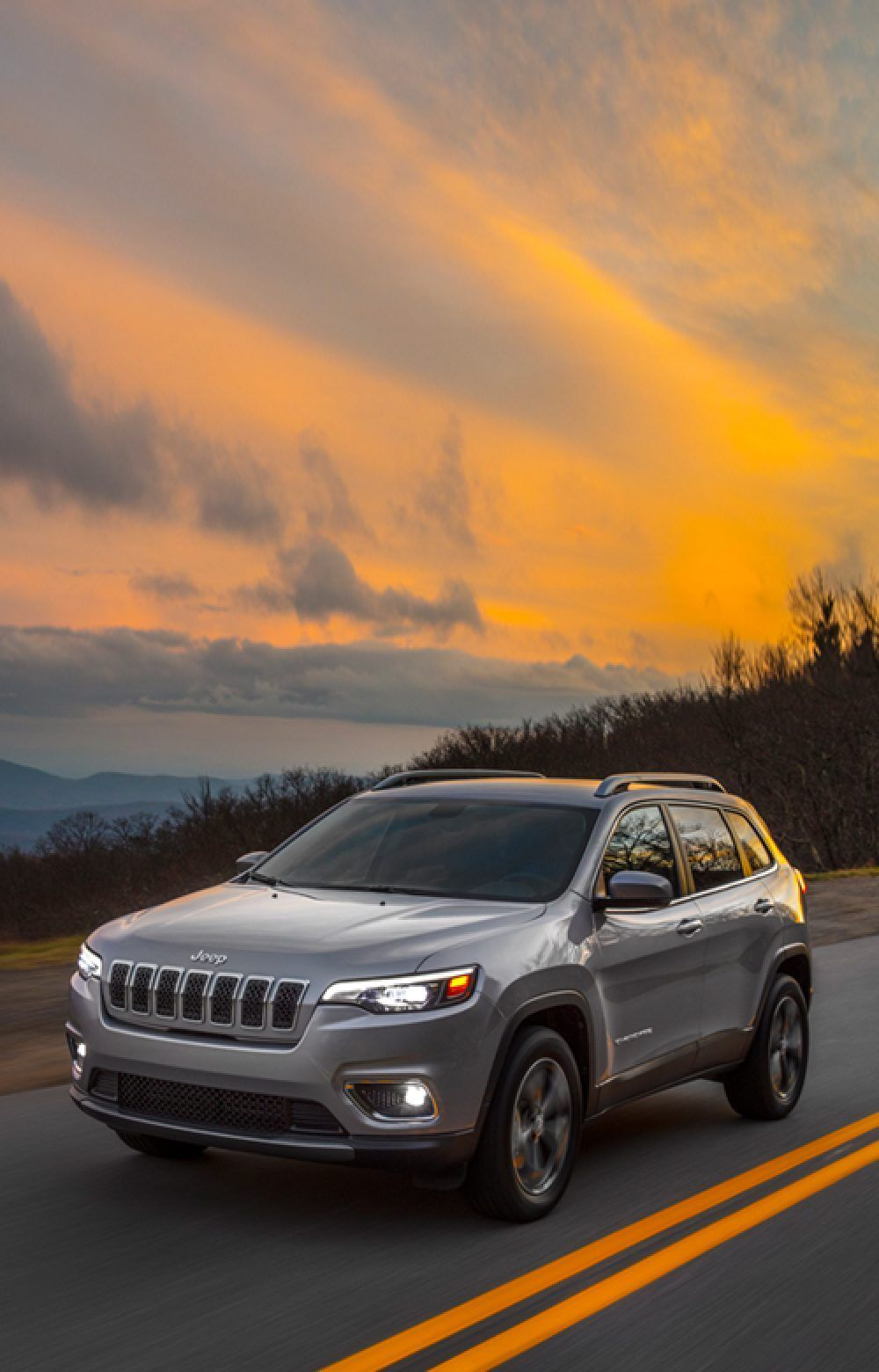 2019 Jeep Cherokee Discover New Adventures In Style In 2020 Jeep Cherokee Jeep Off Road Adventure
