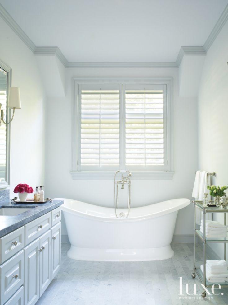 White Transitional Master Bath Dekoration