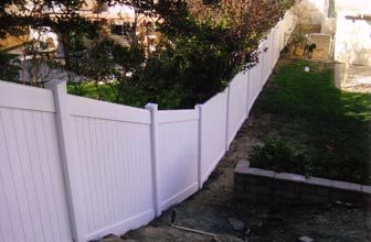Vinyl Privacy Fence Slope Google Search That S Clever