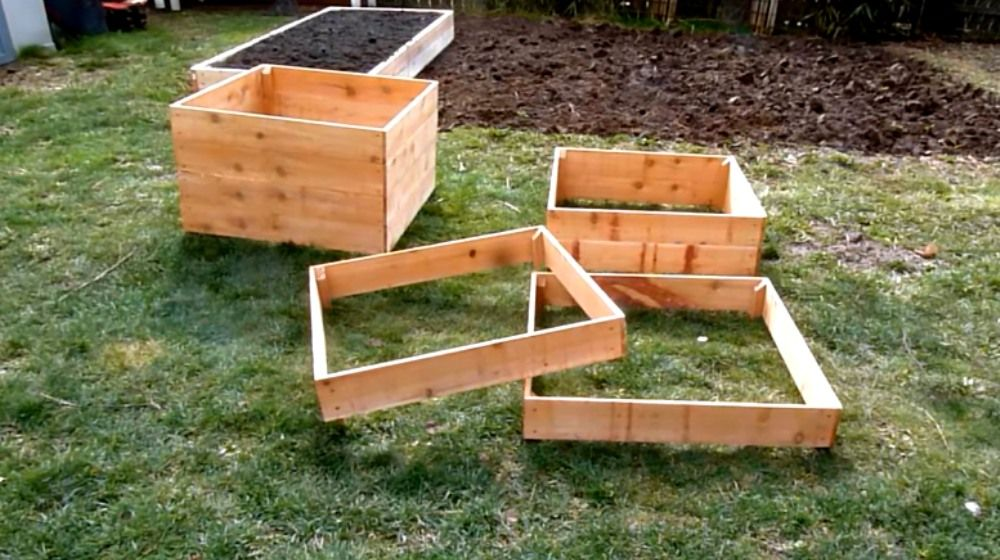 Grow 100 Pounds Of Potatoes In A Diy Square Garden Design 400 x 300