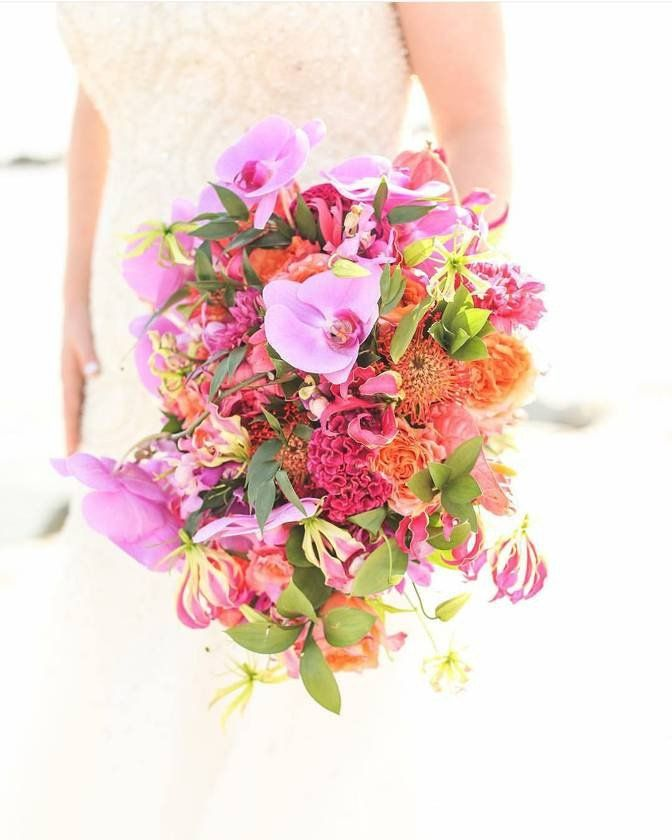 Wedding Flowers Kent: 30 Colorful Wedding Bouquets That Are Super Cheerful